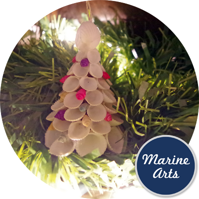 8326 - Festive Decor - Clam Rose Christmas Tree