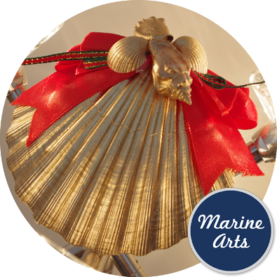 8387 - Festive Decor - Golden Scallop